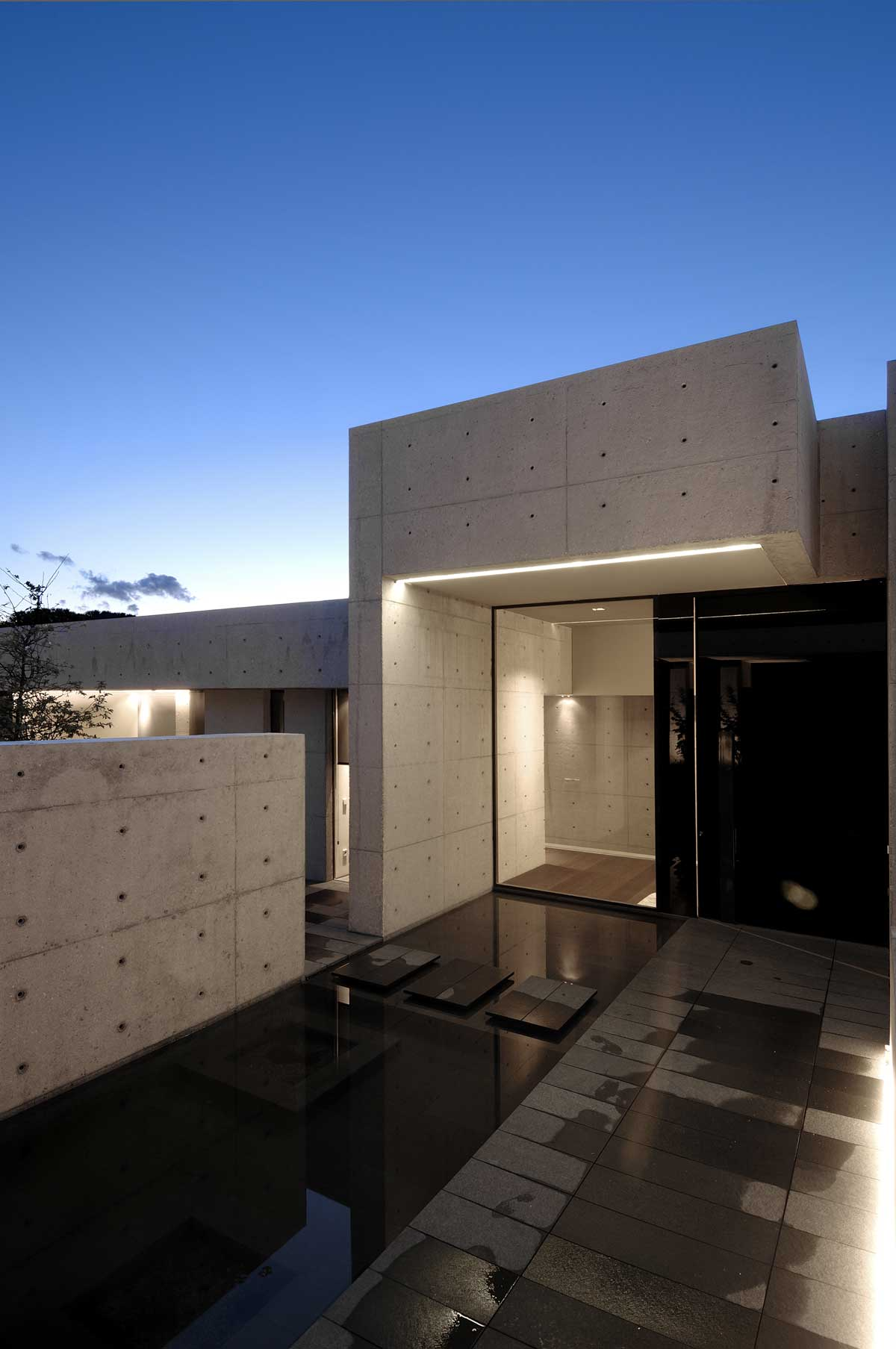 Concrete House I A Cero Studio Madrid - A-cero-architects-the-interior-of-an-office-in-madrid